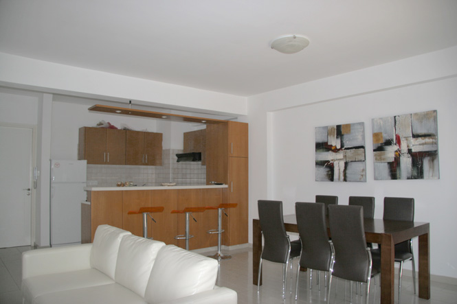 c 103b 3 living-dining-room-img_3469